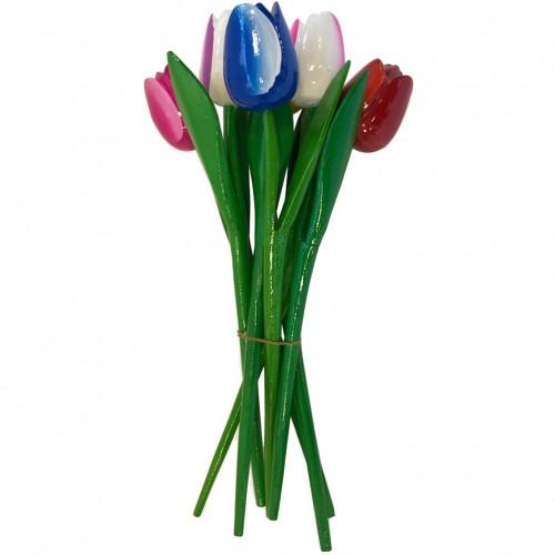 Bosje houten tulpen